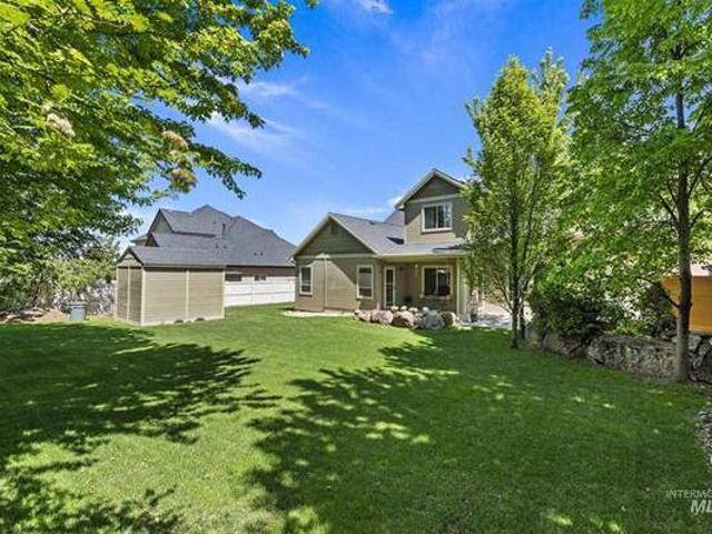 Light Filled Gorgeous House, Private Backyard, Poss. 5th Bdrm Meridian