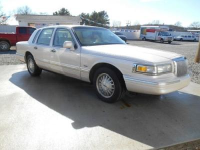Lincoln Town Car In White Used Lincoln Town White 1996 Mitula Cars