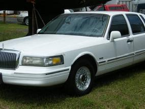 Lincoln Town Car Used Lincoln Town Body Parts Mitula Cars