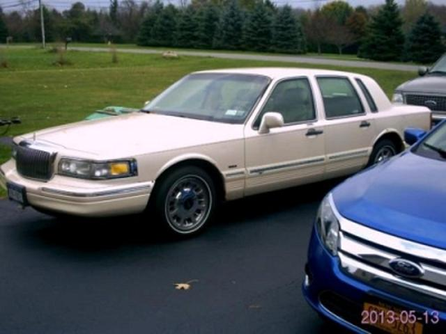 Lincoln Town Car Used 1997 Lincoln Town Leather Seats Mitula Cars