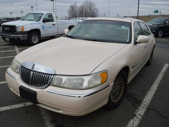 Lincoln Town Car Cartier In Sedan Used 1998 Lincoln Town Cartier