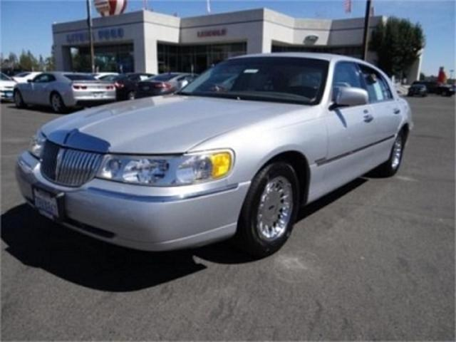 Lincoln Town Car Fresno   9 Lincoln Town Car Used Cars In Fresno   Mitula  Cars