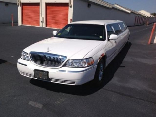 Lincoln Town Car In White Used White Lincoln Town Limo Mitula Cars