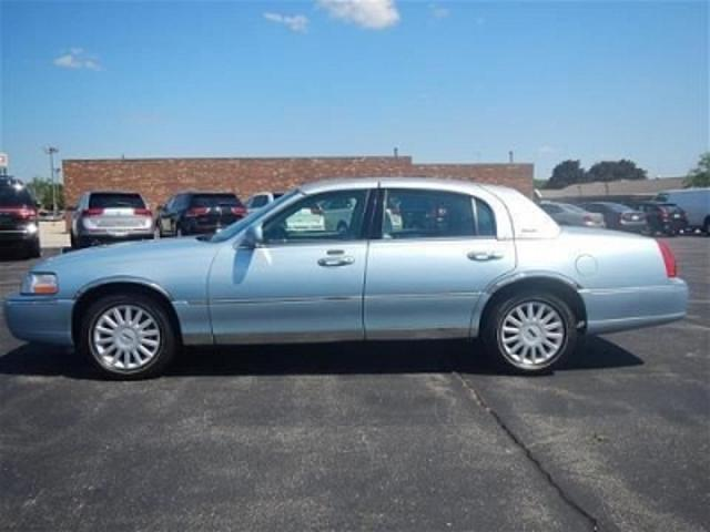 Lincoln Town Car In Blue Used Lincoln Town Sedan Light Blue
