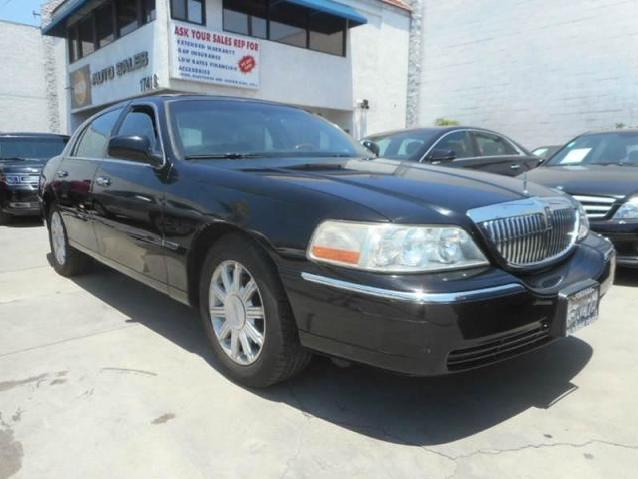 Lincoln Town Car In Blue Used Lincoln Town Blue Book Value