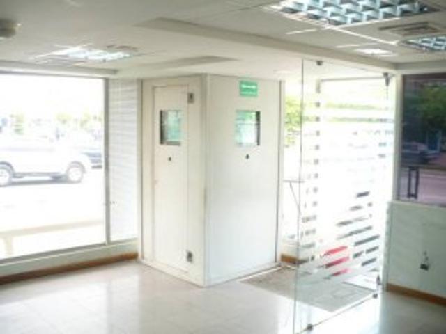 Local Bancario, Zona Oeste De Maracaibo. Mls11 6157