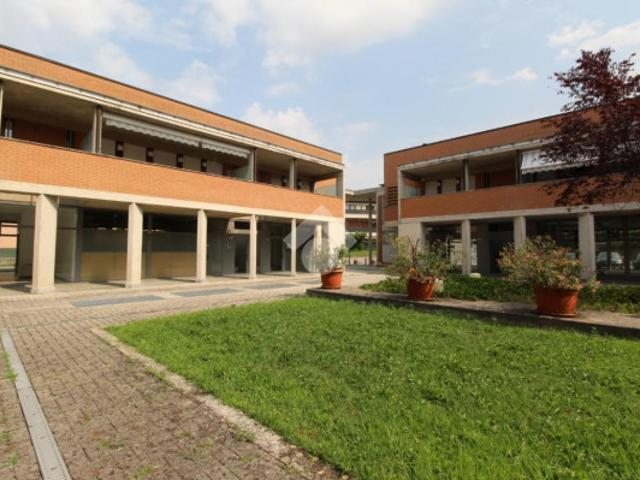 Loft / Open Space In Affitto A Renate Mb