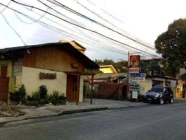 For rent Quezon City  2 apartment 62 64 road 3 project 6 lots for