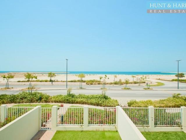 Lovely Full Sea View Two Bedrooms Spacious Garden