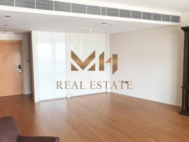 Luxurious |vacant|best Deal|semi Furnished