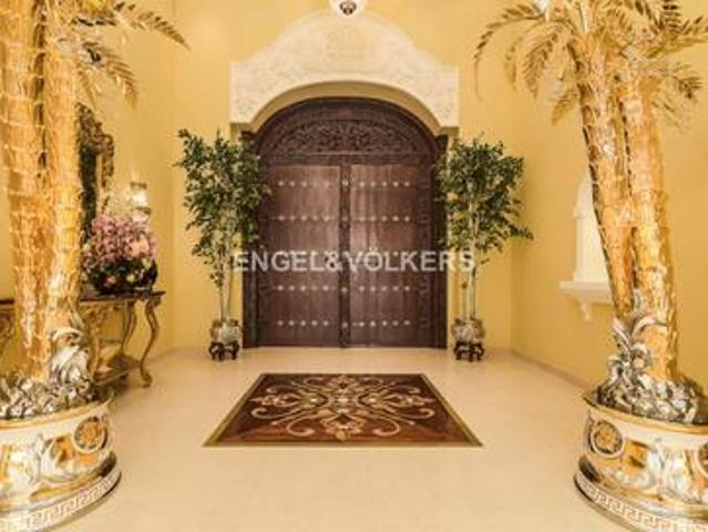 Luxurious | With Private Pool | Large Plot