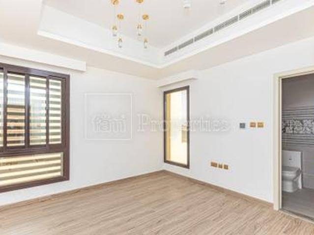 Luxury And Brand New Ready To Move In 4 Bedrooms