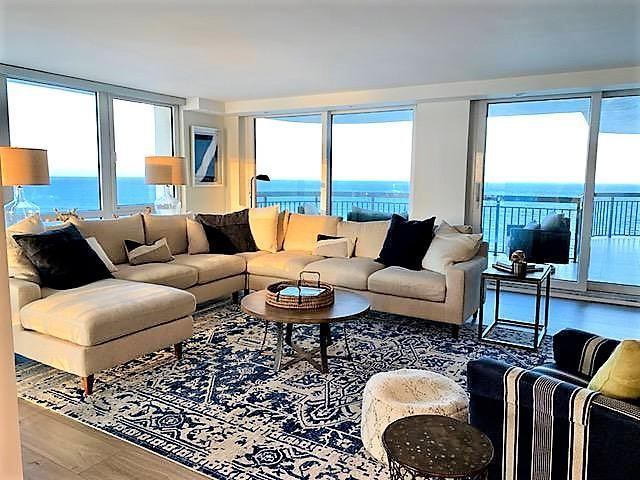 Luxury Apartment Complex For Rent In Palm Beach Shores, United States