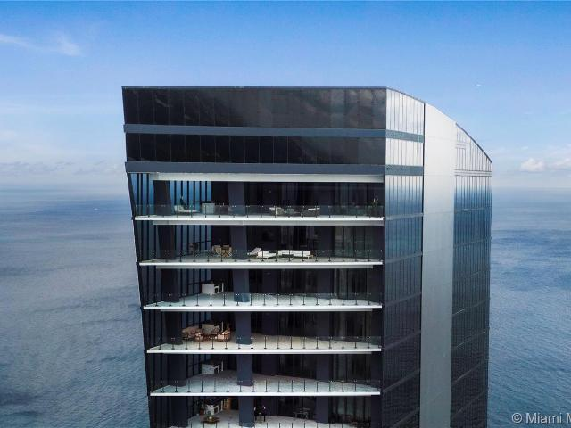 Luxury Apartment Complex For Sale In Sunny Isles Beach, United States