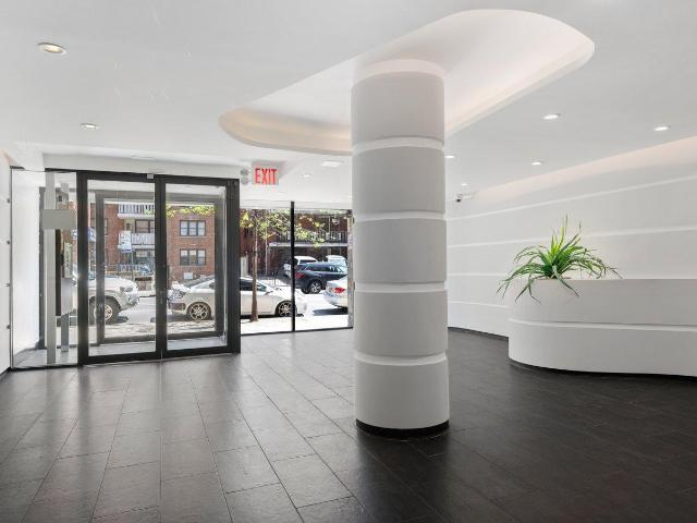 Luxury Apartment For Sale In 133 17 Sanford Avenue, Flushing, Queens, New York