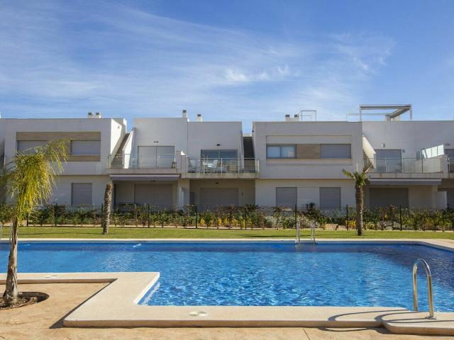 Luxury Apartments With 2 And 3 Bedrooms And 2 Bathrooms