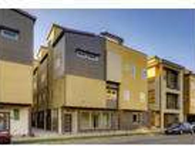 Luxury Berkeley End Unit Townhouse With Rooftop Deck!