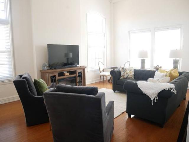 Luxury Extended Stay Cwe Penthouse Central West End, Forest Park, Cwe