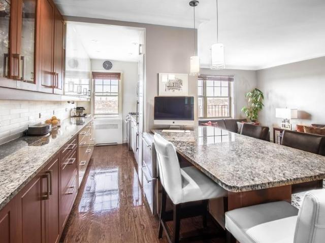 Luxury Flat For Sale In Forest Hills, New York