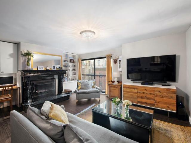 Luxury Flat For Sale In New York
