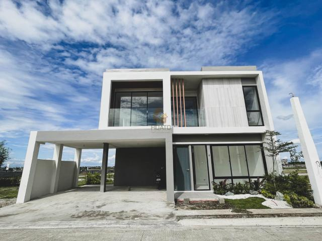 Luxury House And Lot In Tanza, Cavite