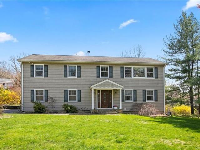Luxury House For Sale In Cross River, New York