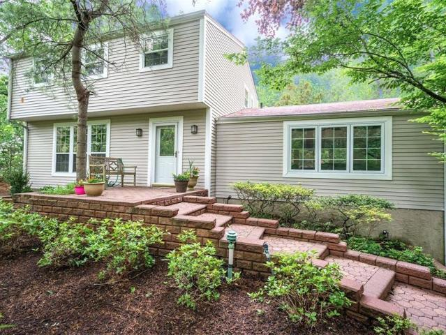 Luxury House For Sale In Port Jefferson, United States
