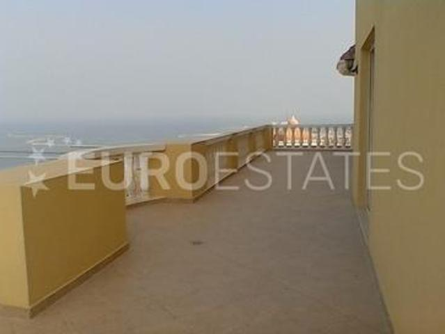 Luxury Penthouse| 4br Apt. With Panoramic View