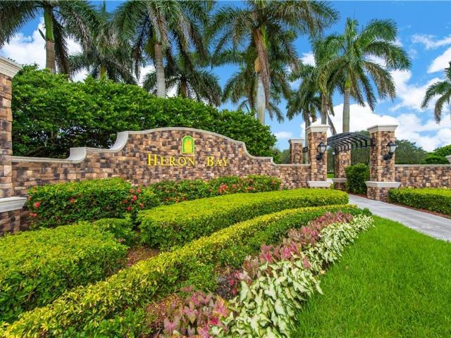 Luxury Townhouse For Rent In Parkland, United States