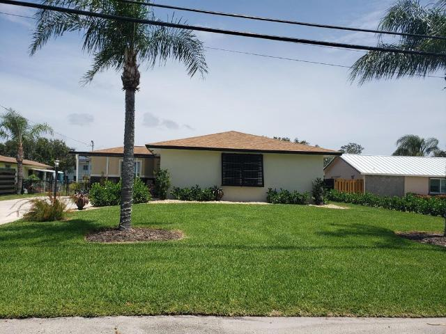 Luxury Villa For Rent In Lake Worth, United States