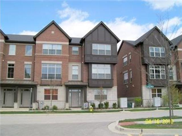 Magnificent Vernon Hills Townhouse For Rent