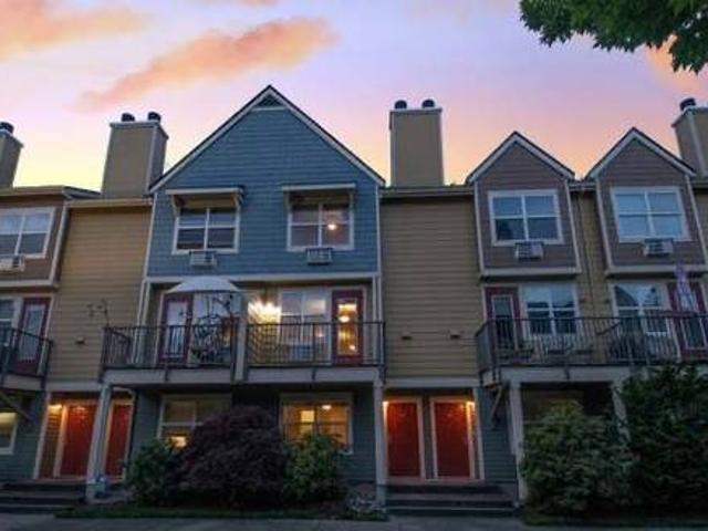 Master Bedroom Near Vancouver Waterfront Available 31 For $700month Vancouver