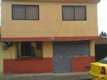 Vendo Hermosa Casa, 2 Pisos Barrio 4 De Junio, Calle Principal Casa En Venta En Cayambe Juan...