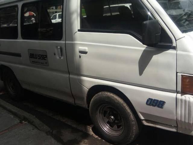 Mitsubishi l300 1997 se vende o se permuta