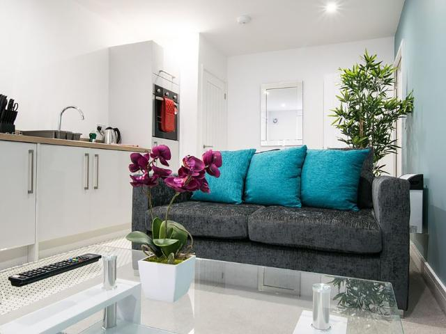 Modern 2 Bedroom Stratford Central Apartments Peymans Right In The City Centre/fully Equip...