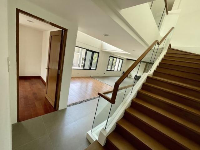 Modern Brand New High End 4 Bedroom Duplex For Sale At Afpovai Near The Fort Bgc Taguig