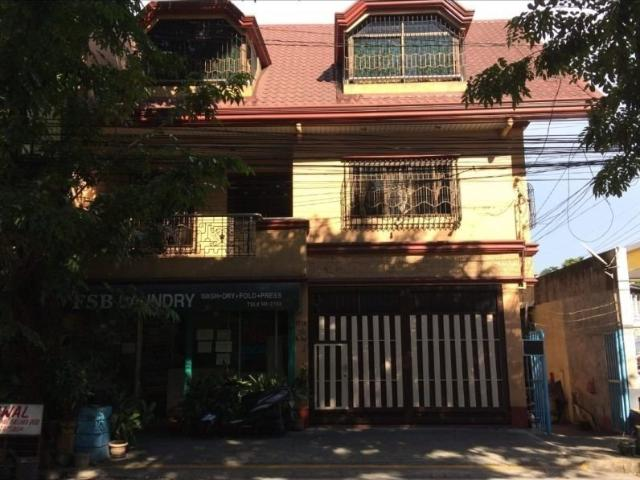 Modern Design House And Lot For Sale In Sta. Cruz Manila W/6 Bedrooms And 2 Car Garage Ph2258