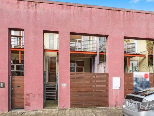 Modern Two Storey Townhouse In The Heart Of Kensington
