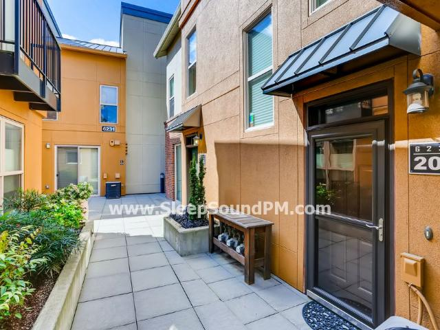 Modern, Updated Two Bedroom Townhome With Gas Fireplace Orenco Station Available Now!