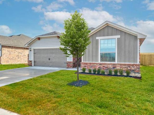 Move In And Save Brand New Homes Available Now Easy Commute To Okc, 15 Mins To Yukon