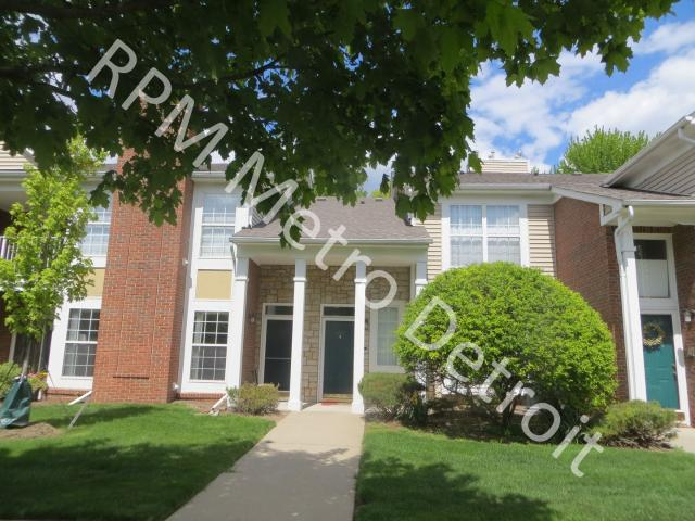 Move In Ready Condo In Sterling Heights