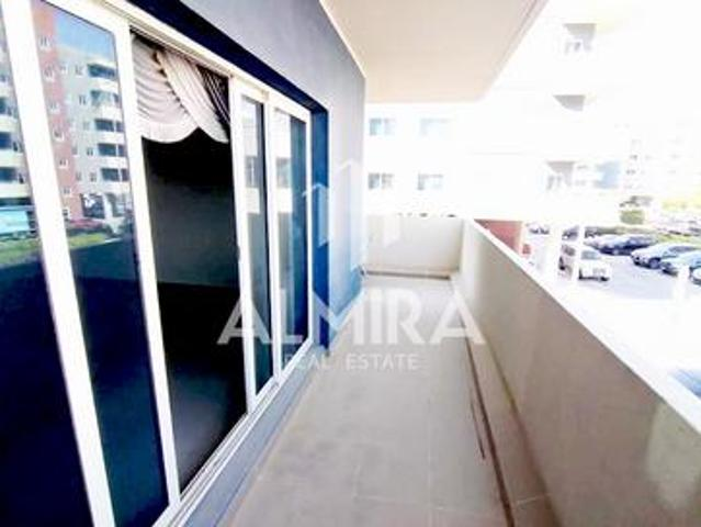 Move In Ready! Luxurious 3br+m W/ Balcony