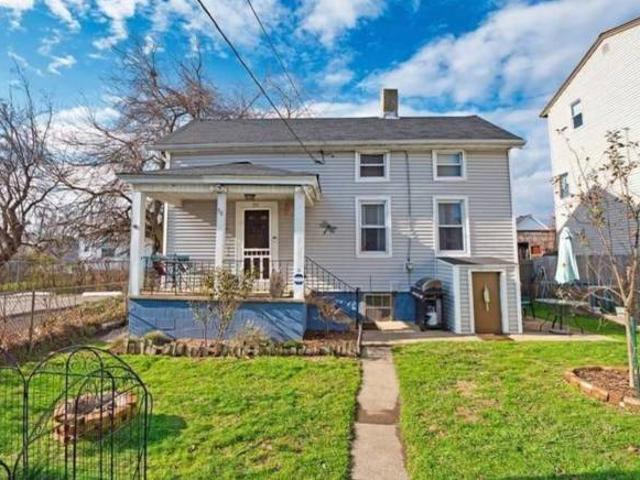 Must Sell Have Cash To Buy A Quotmove Inquot Home Fall River