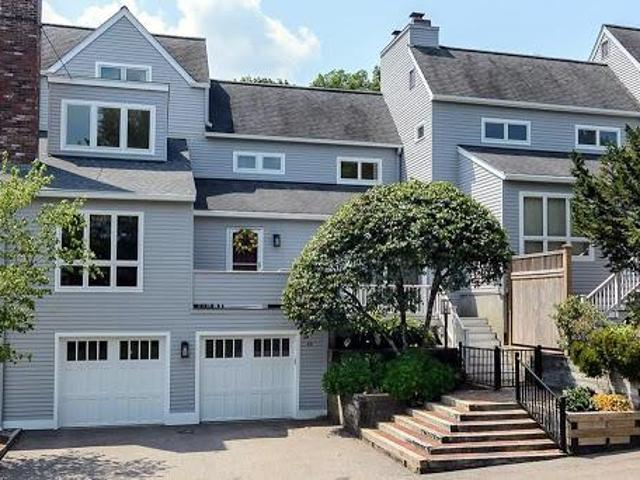 Natick Two Br 2.5 Ba, Relax And Enjoy This Bright And Cheery Sun