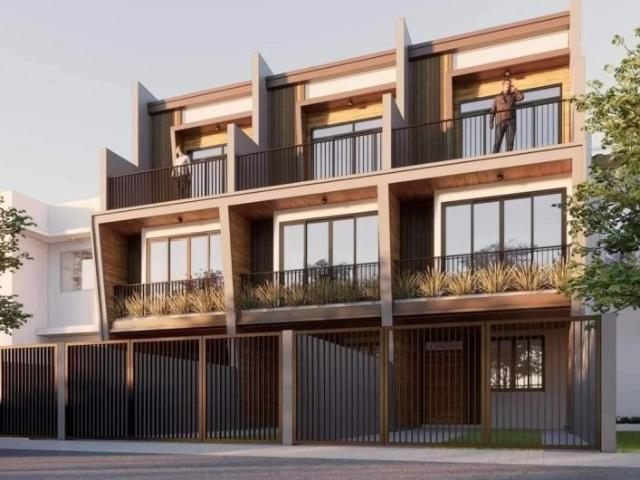 Near Sm Southmall Rfo 4 Bdrms House And Lot In Las Pinas