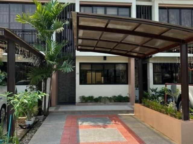 Near Southland Rfo 4bdrms House And Lot In Las Pinas