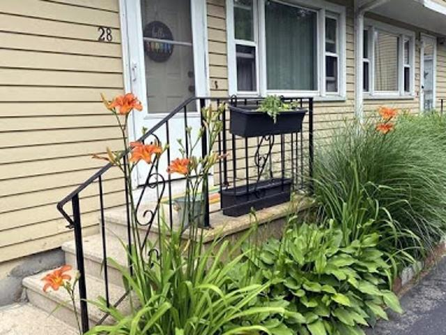 New Bedford Two Br 1.5 Ba, Lovely Townhouse Located Close To