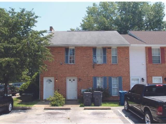 New Castle, Great Investment Opportunity With This Brick