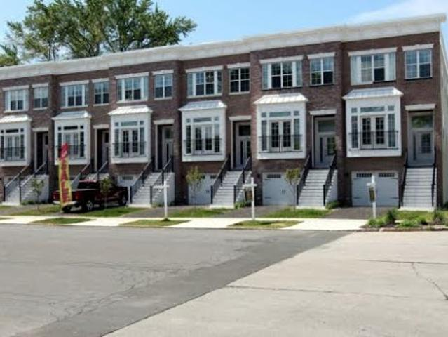 New Construction, Luxury Town Homes Minutes To Hospitals, Coll