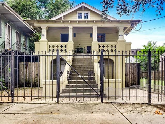 New Orleans Five Br Four Ba, Well Maintained Income Generating